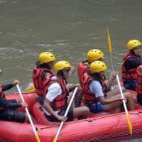 La famiglia Obama e la vacanza infinita: rafting in Indonesia