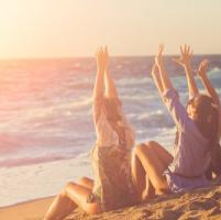 Sole: salva le ossa, combatte le infezioni e migliora l'umore. Abbronzati