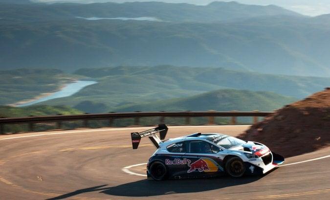 Loeb e il suo amore per la 208: si porta a casa la Peugeot dei record
