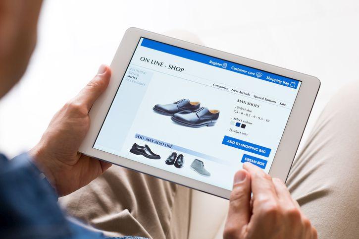 E-commerce, il risparmio degli italiani passa dai comparatori