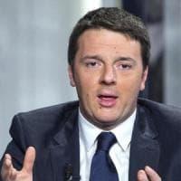 """Renzi: """"Polemiche favoriscono il centrodestra"""". L'ira di Prodi: """"Stare più lontano? Già..."""