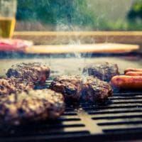 Giro del mondo (utile e colto) di Steven Raichlen sulle strade del barbecue