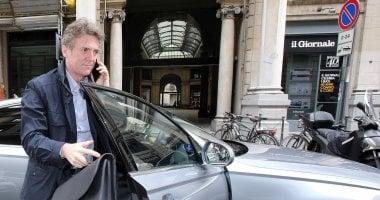 """Tim, Cattaneo: """"Sulla fibra bandi ad hoc. Non partecipiamo più"""". Calenda protesta"""