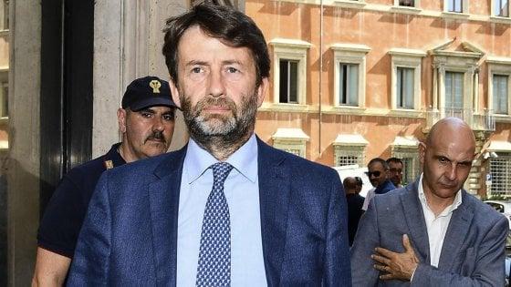 """Caos Pd, Lotti: """"Renzi ha appena vinto le primarie, fine discussione"""". Franceschini: """"E' appena iniziata"""""""