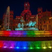 """""""Mi dai il titolo di città dell'amore?"""". E Parigi lo concede a Madrid per il World Pride"""
