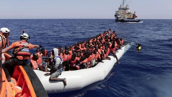 Nuova ondata di migranti, quasi 5mila sbarcati oggi nei porti ...