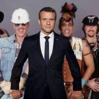 Macron svela su Twitter il ritratto ufficiale e i social si scatenano