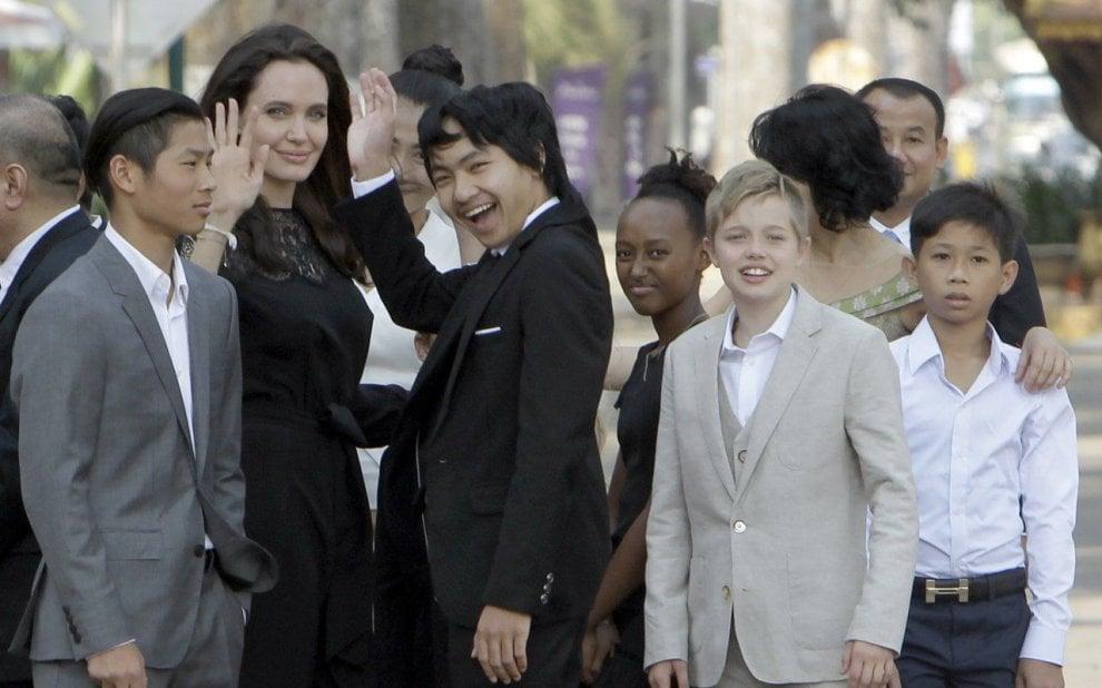 L'Afp smentisce: la figlia di Brad Pitt e Angelina Jolie non cambierà sesso