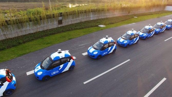Traffico di auto a guida autonoma, super test in Cina