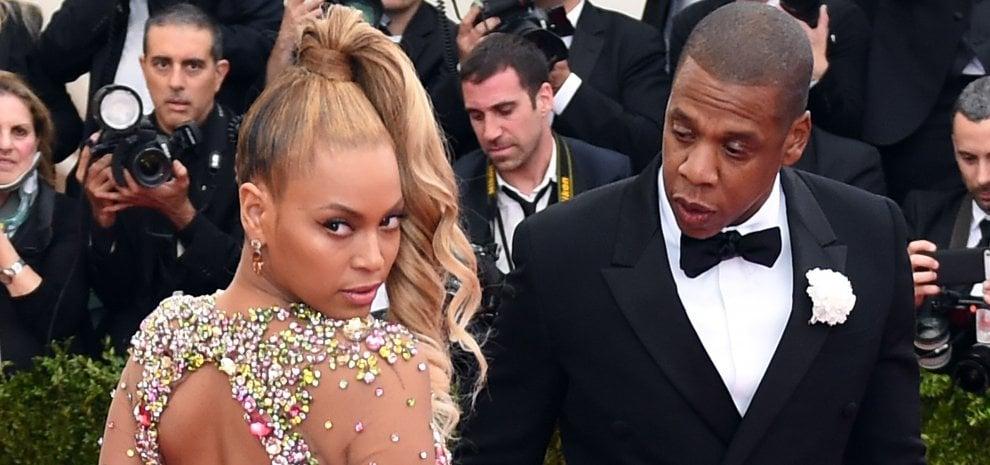 """Jay-Z ammette: """"Scusa Beyoncé se ti ho tradito"""""""