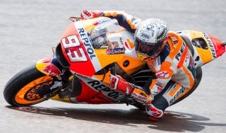 MotoGp, Germania: Marquez il più veloce, Rossi sesto salta le Q1