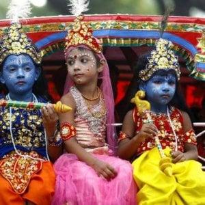 """Bambini, in India c'è chi tenta di metterli al mondo """"perfetti"""": un po' come i nazisti"""