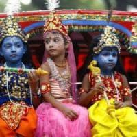 Bambini, in India c'è chi tenta di metterli al mondo