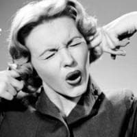 Psicologia, usiamo un tono di voce più alto con persone che percepiamo più importanti di noi