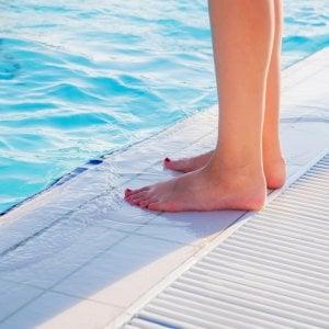 Come evitare i funghi in piscina