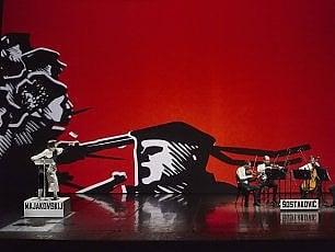 '1917', la rivoluzione russa invade il palco grazie a Majakovskij, Esenin, Blok