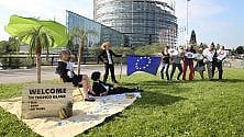 """Oxfam Italia: per la trasparenza fiscale  delle multinazionali,  via libera """"con riserva""""  dal Parlamento UE"""
