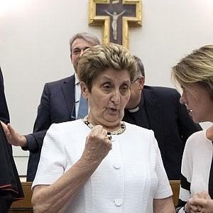 """Charlie, medici inglesi: """"Motivi legali, no trasferimento a Roma"""". Vaticano: """"Faremo il possibile per superarli"""""""