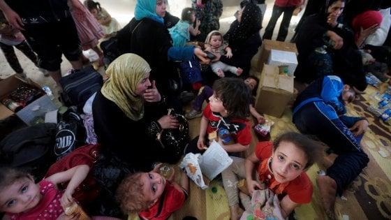 """""""I bambini di Mosul come robot, incapaci anche di giocare"""": il rapporto Save the Children"""