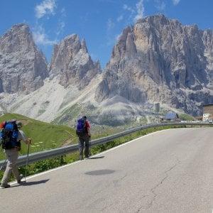 """Reinhold Messner e la Ztl delle Dolomiti: """"È l'unico modo per salvarle"""""""