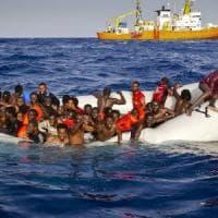 Migranti, l'anno del triste record delle vittime nel Mediterraneo: tre su cento non ce la fanno