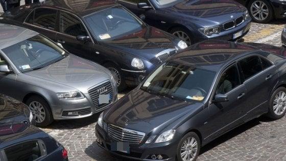 Il ritorno delle auto blu: in un anno novemila in più, il primato va a Oristano