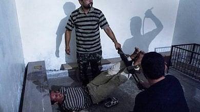 """Libia, abusi, torture e detenzioni illegali nell'inferno libico, """"al di là del mare""""   Video"""