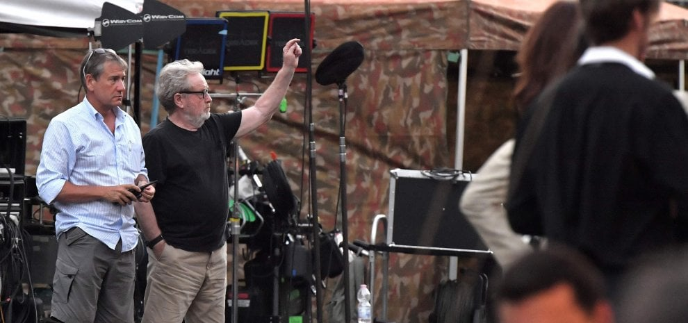 """Ridley Scott gira a Roma film sul rapimento Getty: """"Non è un biopic ma cinque mesi nella vita di un ragazzo"""""""