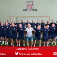 Spagna, tutti con la testa rasata: la solidarietà dei calciatori per il compagno colpito dal cancro