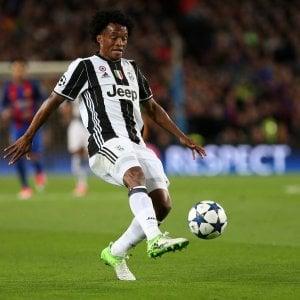 Juventus, Arsenal e Psg in pressing su Cuadrado e Alex Sandro