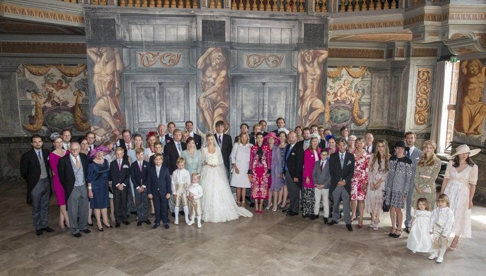 Germania, Ernst di Hannover sfida il padre e sposa una stilista russa: le nozze da favola e ospiti regali