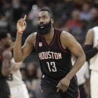 Basket, Nba: Harden, rinnovo record con Houston