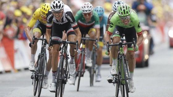 Tour de France, Uran vince la tappa più dura. Aru 'aspetta' Froome, dramma Thomas e Porte