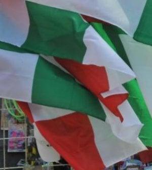 Ombra, balconi e bandiere: l'Italia nella rete del Fisco inutile
