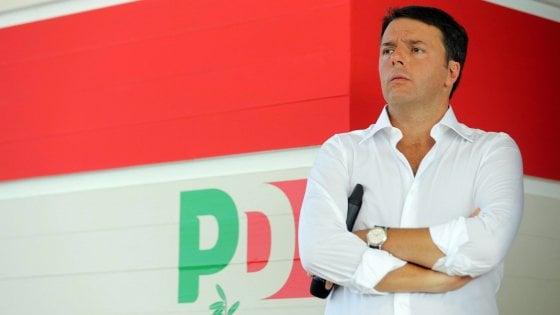 """Deficit, Renzi: """"Con Ue film già visto, vinceremo partita"""". Padoan: """"Debito giù con crescita"""""""