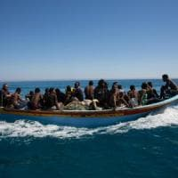 Migranti, in arrivo nel Mediterraneo nave dei gruppi di estrema destra