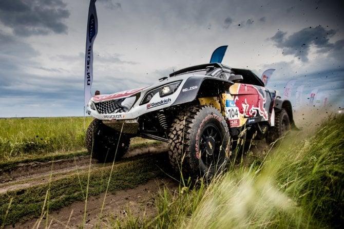 Peugeot 3008 DKR maxi - terza vittoria su quattro gare