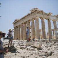Grecia, la Commissione Ue chiede la fine della procedura per deficit eccessivo