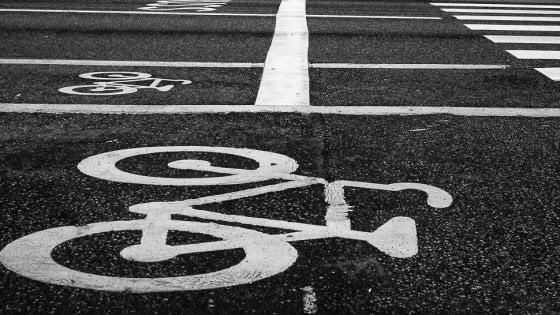 Più auto, meno trasporto pubblico: le città italiane rischiano il collasso