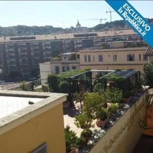Vaticano, distrazione fondi Bambino Gesù: scandalo attico Bertone arriva in Tribunale