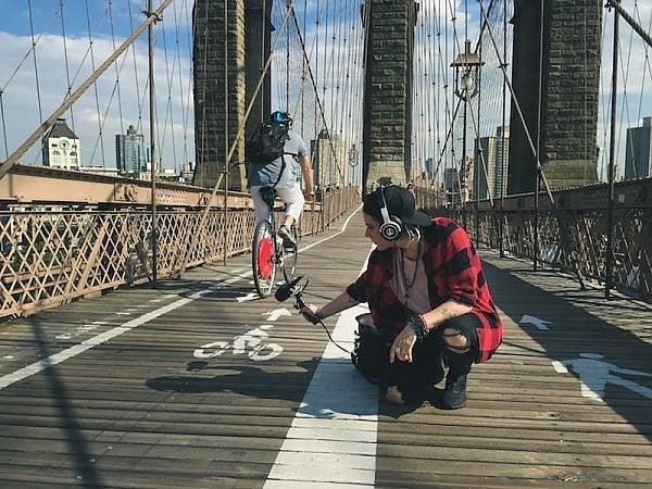 Chiara Luzzana a New York, nel corso delle registrazioni per il progetto The Sound of City