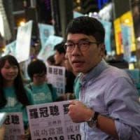 Hong Kong allontana i quattro deputati democratici