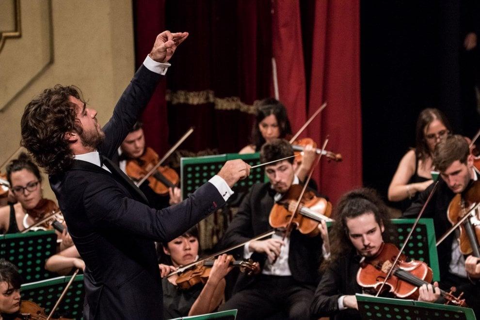 Venezi, Chauhan, Viotti: direttori d'orchestra under 30