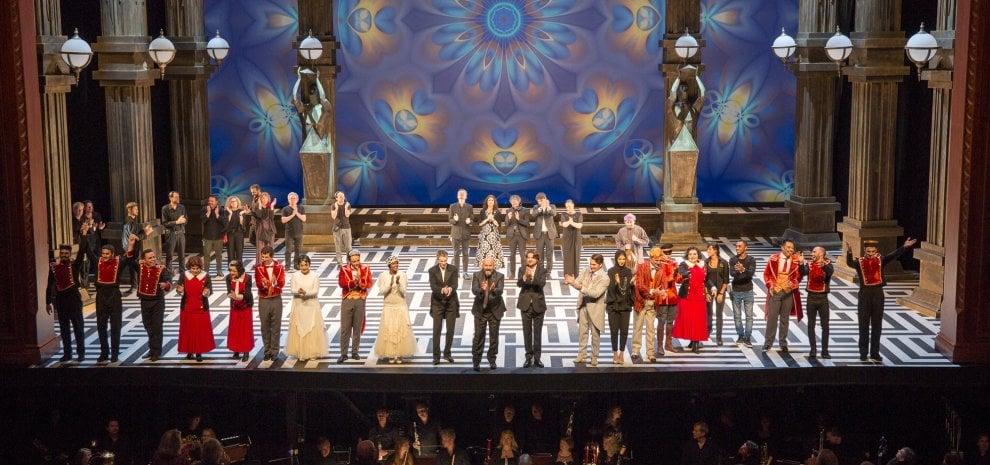 """Davide Livermore l'anticonformista: """"L'Opera diventa show hightech"""""""