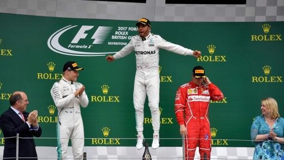 Formula Uno, Silverstone: Hamilton domina e riapre il mondiale. Kimi terzo, Vettel settimo
