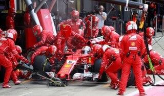 """F1, Hamilton: """"Gara perfetta"""". Vettel: """"Foratura inaspettata"""""""