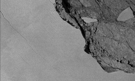 Dai satelliti italiani la foto dell'iceberg staccatosi dalla piattaforma Larsen C