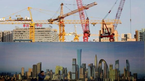 La crescita cinese sorprende gli osservatori: +6,9%. Mercati Ue cauti