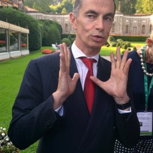 Unicredit vende 17,7 miliardi di sofferenze ai fondi Pimco e Fortress