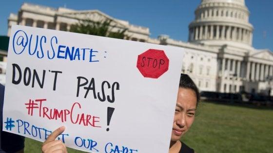 """Usa, rivolta dei repubblicani: salta la nuova riforma sanitaria. Trump furioso: """"Abolire subito l'Obamacare"""""""